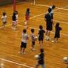 バレーボールと子供の眼鏡