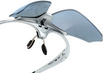 眼鏡をかけなければならない方にスポーツに適した度付きサングラスがあります。