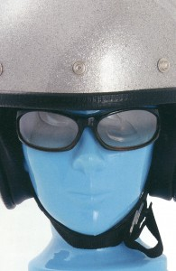 オートバイ時の度付きサングラスとヘルメット