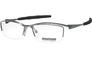 スポーツグラス度入りに適した跳ね上げメガネフレームは、登山時にとても便利なスポーツメガネ。