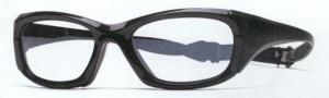 眼鏡をかけてスポーツを行う時の目の怪我を予防する度つきゴーグルのご提案眼鏡ショップ。