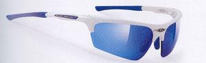 偏光レンズと調光レンズを組み合わせたテニス時のジュニア用サングラスの度入りのご提案。