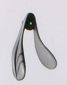 スポーティーなデザインの子供用テニス向きサングラスは、サングラス全体をコンパクトに制作。