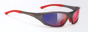 トライアスロンに適したサングラス選びは、軽くてズrにくく曇りにくいサングラス選びをご提案。