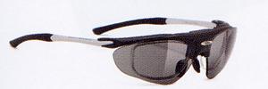 スポーツグラスには登山に適したスポーツ用サングラス、めがねがあります。