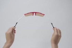 安全なこどもサングラスを選ばれることが子供専門サングラスショップの役目です。