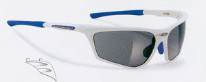 ロードバイク用度付きサングラスは強度近視レンズ、遠近両用レンズでも制作可能です。