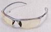 テニス時のサングラスは、ボールが直接fフレームに当たっても安全なサングラス選びが必要。
