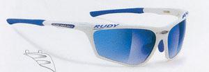 ロードバイク用度つきサングラスは、強度近視の方から遠近両用レンズまで製造可能です。