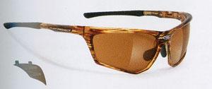 度付きスポーツサングラスは、近視用・遠視用・乱視用・遠近両用が制作できます。