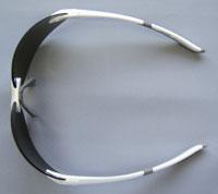 スポーツサングラスにはスポーツのことを考慮したスポーツ用サングラスの設計が必要。