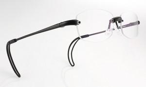 テニスどきのメガネは煩わしいと思っていらっしゃる方に、テニスメガネとしてのご紹介。