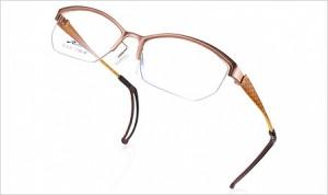 遠近両用メガネを掛けている方に快適なテニス用メガネをスポーツグラス専門店でご覧ください。
