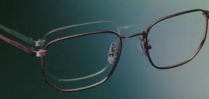 シニアのゴルフ時の遠近両用眼鏡を快適にしていただくための50歳からのゴルフメガネの提案。