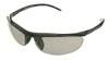 テニスどきに最適なサングラスは「ズリにくく」「かるく」「快適に見える」テニス用サングラスです。