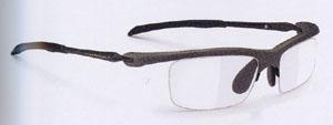 メガネとスポーツは競技内容を考慮した上でスポーツに合った眼鏡フレーム選びが大切