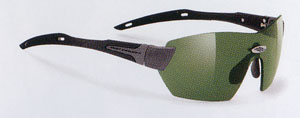 サングラスとしてのゴルフ用スポーツグラスで、レンズのカラーをグリーン、フェアーウエイのことを考えたサングラス。