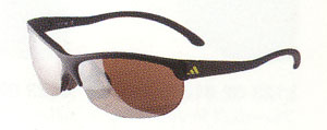 スポーツサングラスの子供用、ジュニア用の中に、ゴルフに適したサングラスがあります。