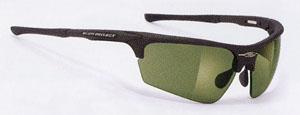 ゴルフ時の太陽光からの疲れをゴルフ専用スポーツサングラスで快適なプレーを楽しみましょう。