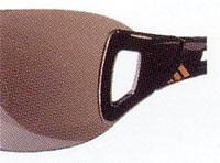 おしゃれなテニス用サングラスはプレー中も楽しみながら掛ける事のできるサングラスです