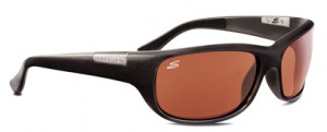 長時間のドライブに適したサングラスは、レンズカラーの違いにより快適なサングラスとしてご使用できます