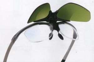 強度近視、遠視、乱視のスポーツサングラスとして、ベストな度付きスポーツ用サングラス。