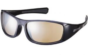 ゴルフ用サングラスは、ボールをハッキリ見るためや、距離感を把握するためのサポートグラスです。