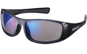 動きに「ずれにくい」ゴルフどきのサングラスは、機能面を考慮して設計されたサングラスが必要。
