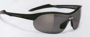 小顔の子どものためにデザインしましたテニスサングラスは、度つき対応ができます。