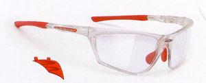 バイク用度入りサングラスに適したバイクサングラスは風の巻き込みを防ぐ事が大切です。