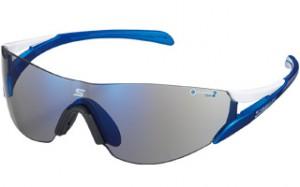ランニングサングラスは、マラソン及びジョッギング時の事を考慮したサングラス設計が必要。