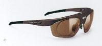 登山どきの便利な跳ね上げサングラスとして、眼鏡として、コンタクトどきのサングラスとして可能です。