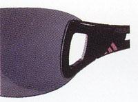 女性のテニスにあったスポーツ用サングラスがあり、度付き対応も可能なサングラスもあります。