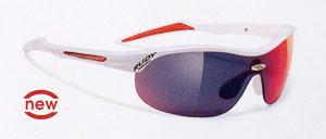 スポーツグラスとしての女性用自転車サングラスはサイドの光の入り込みを考慮した設計が必要。