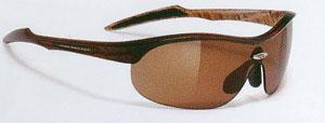 ジュニアのテニス用サングラスはとても少なく、現在人気の子供用テニスサングラスのご紹介です。