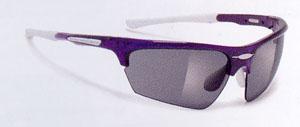 数少ない小さいスポーツサングラスデザインで、子どもや女性のことを考慮したサングラス。