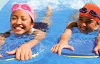 スイミングゴーグル子供用度付きは、園児用からジュニア用までいろいろなタイプがあります。