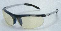 子供用サングラスの中には、テニスどきに安全なスポーツサングラスがあります。