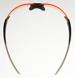 ランニング用のサングラスは集中力を高めるために新設計で制作されたスポーツサングラスです。