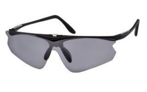 スポーツグラスには、ゴルフどきに適したサングラウとして跳ね上げサングラスがあります。