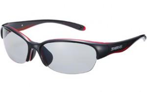 スポーティーなサングラスの女性向ゴルフ用サングラスは、とてもおしゃれなサングラスです。