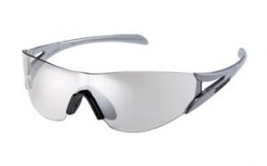 スポーツサングラスの中でも、マラソンサングラスは走ることを熟知して設計されています。