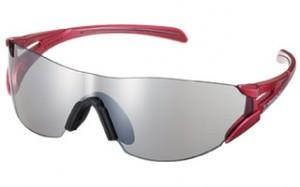 スポーツサングラスもいろいろ。レディース用マラソンサングラスは機能性を上したサングラス。