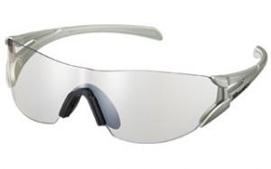 トライアスロン用サングラスは軽く、ズリにくく、視界が広くとても快適なサングラスです。
