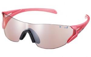 女性用マラソンサングラスはファッション性はさることながら機能性も加味して製造されました。