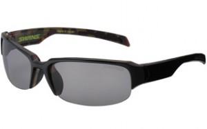 高校野球モデルのサングラスとして、2重構造フレームで内外のカラーが異なります。