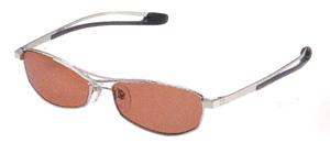 ゴルフ時の度付き偏光サングラスは、一般の度付きサングラスと違って視界がクッキリとします。