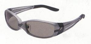 スポーツサングラスの偏光レンズは、ランニングに適した偏光レンズ選びが大切です。