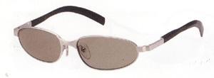 テニス時の偏光サングラスは、一般のサングラスと違って視界がクッキリとします。
