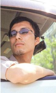 車の運転どきに快適なドライブ用度付きサングラスのご提案サングラス専門店。